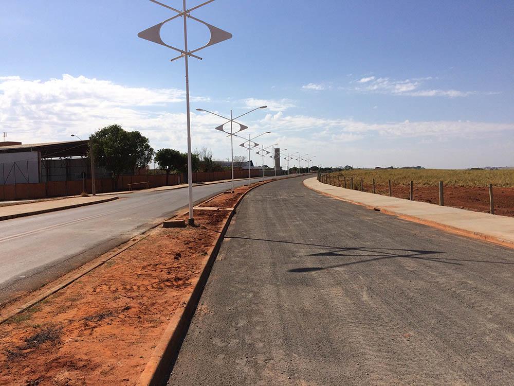 Obras na Avenida João Tim