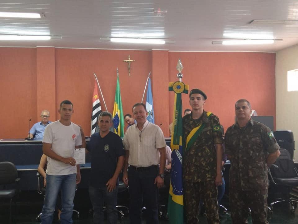 CERTIFICADOS DE DISPENSA DE INCORPORAÇÃO SÃO ENTREGUES PELA JUNTA DE SERVIÇO MILITAR.