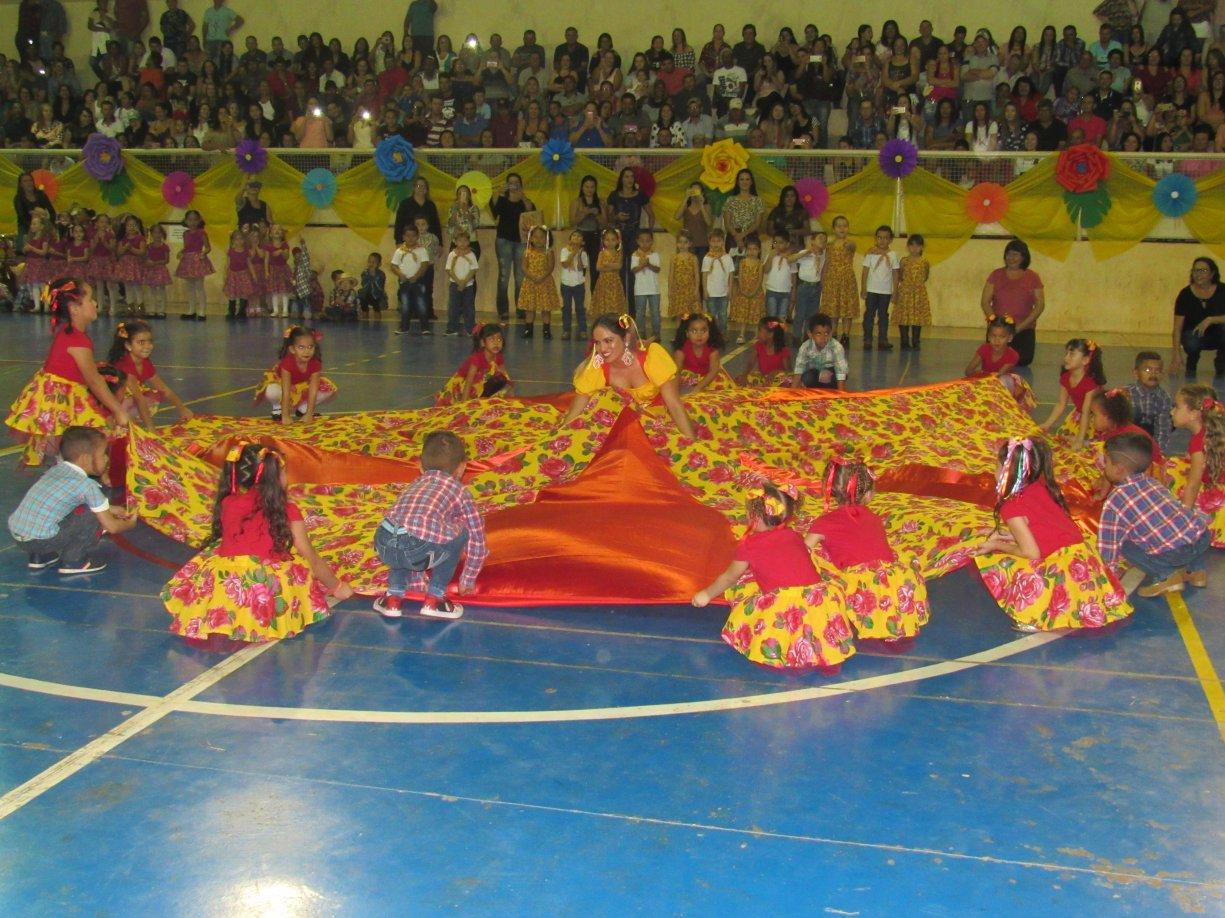Tradicional Festa Junina Municipal é Um Grande Sucesso